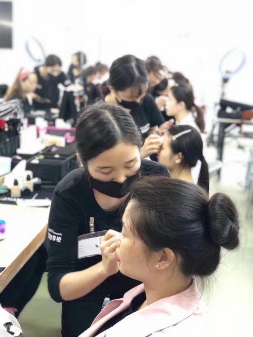 顺德化妆学校