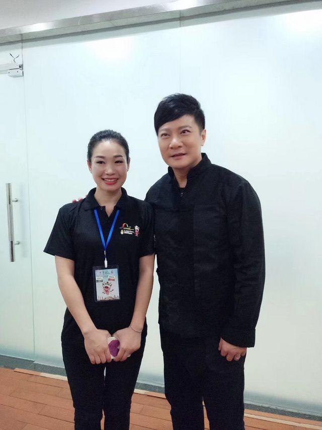 祝惠英与钱嘉乐合影