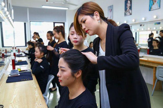 伊丽莎白学校化妆培训