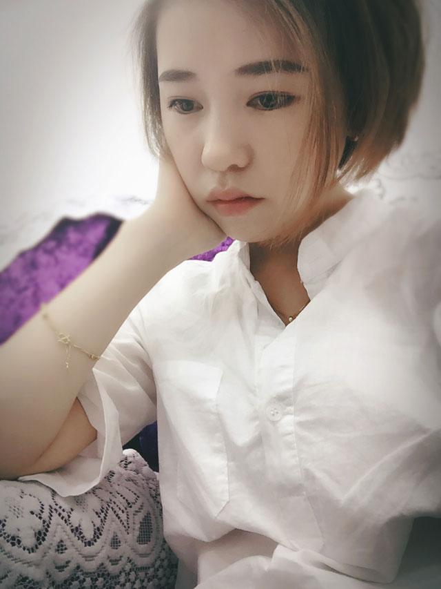 学员方华雪伊丽莎白美甲纹绣化妆课程毕业