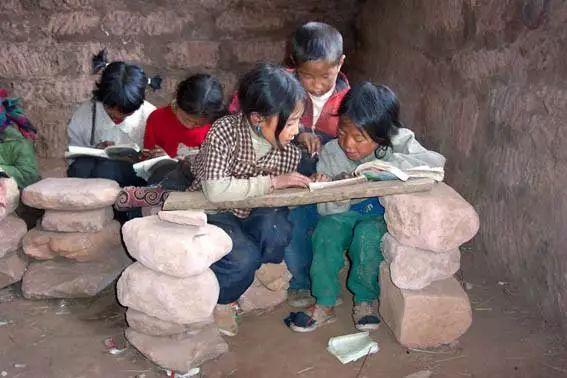 捐赠新疆喀什地区伽师县